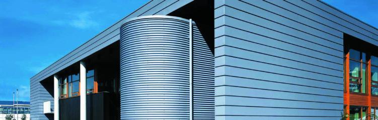 Die sichere Fassade erstellt der Dachdecker!